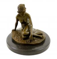 Bronze Figure in the Art Nouveau style - Spring (1891) - sign. Peter Breuer